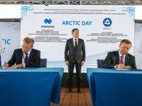 Rosatom ve Nornickel, buzkıran temini konusunda ek anlaşma imzaladı