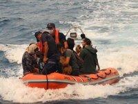 Sahil Güvenlik de yangın söndürme çalışmalarına destek veriyor