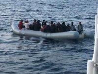 İzmir açıklarında 134 düzensiz göçmen kurtarıldı