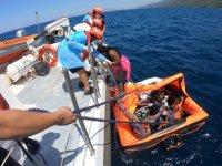 Kuşadası'nda 10 düzensiz göçmen kurtarıldı