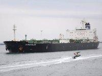 Endonezya, Strovolos petrol tankerine el koydu