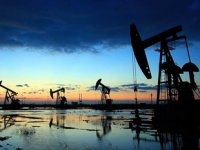 IEA, petrol talebinde büyüme tahminini azalttı