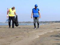 Mersin sahillerinde petrol temizliği sürüyor