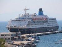 Blue Sapphire isimli yolcu gemisi, Bodrum'a geldi