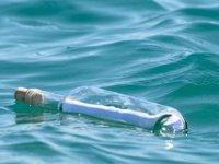 37 yıl önce Japonya'dan denize atılan şişe, Hawaii'de bulundu