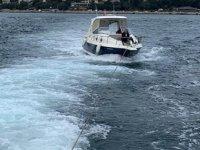 Kızkulesi açıklarında sürüklenen tekne kurtarıldı