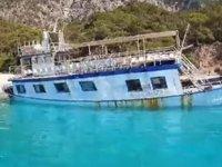 Kaçak göçmen taşıyan tekne, Fethiye'de karaya oturdu