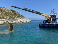 Deniz dibindeki duba enkazı, 15 günde çıkartıldı
