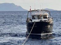 Datça'da makine arızası nedeniyle sürüklenen tekne, kurtarıldı