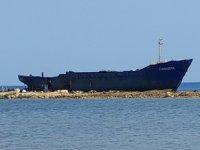 KKTC'de karaya oturan Chrisdul isimli gemi, parçalara ayrılarak kaldırılacak