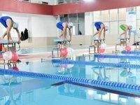 Samsun'da 64 bin öğrenci yüzme öğrendi