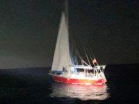 Fethiye'de yelkenli teknede 26 göçmen yakalandı