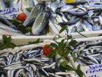 Balıkçı tezgahlarında durgunluk yaşanıyor