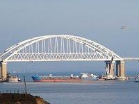 Rusya, Azak Denizi'ndeki Ukrayna limanlarına geçmek isteyen gemileri engelliyor