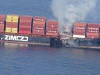 Kanada'da Zim Kingston konteyner gemisinde yangın çıktı