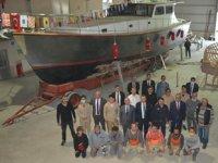 Denizcilik Lisesi öğrencileri, 15 metrelik tekne inşa etti