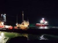 Bulgaristan'da karaya oturan VERA SU gemisi, kurtarılarak Varna Limanı'na çekildi