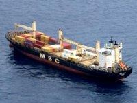 Gine Körfezi'nde Lucia isimli gemiye deniz haydutları saldırdı