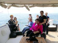 Türkiye Kas Hastalıkları Derneği için tekne gezisi düzenlendi