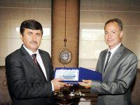 Piri Reis Üniversitesi Eğitim Gemisi Trabzon'a demir attı