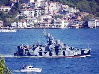Rus savaş gemileri Türk Boğazları'ndan geçerek Suriye'ye sevkiyat yapıyor