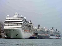 Türkiye'den vazgeçen kruvaziyer gemileri rotalarını Yunanistan'a çevirdi