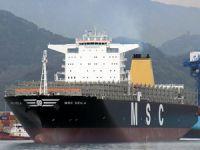 Dev konteyner gemisi MSC Deila Çanakkale Boğazı'ndan geçti
