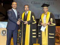 WMU'dan Suat Hayri Aka'ya Seçkin Mezunlar Onursal Ödülü
