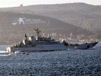 Dev platform ve Rus savaş gemileri Boğazlardan geçti