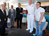 Seabourn Odyssey kruvaziyeri Çeşme Ulusoy Limanı'na demir attı