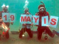 Saros Körfezi'nde denizin 15 metre altında 19 Mayıs kutlaması