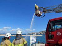 Çeşme Marina'da yangın tatbikatı gerçeği aratmadı