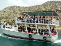 Halfeti'de tekne turlarına yoğun ilgi