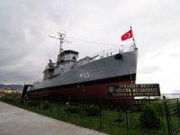 Yarhisar Müze Gemisi Gölcük Halkına Armağan Edildi