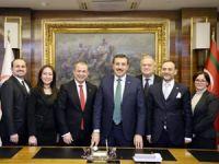 VDA Yönetim Kurulu, Gümrük ve Ticaret Bakanı Bülent Tüfenkci'yi makamında ziyaret etti