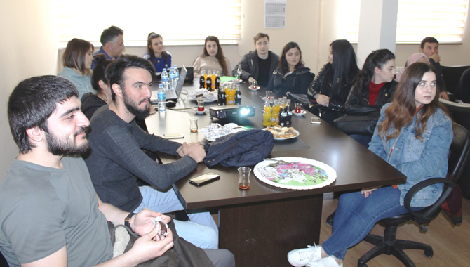 avrasya-universitesi-ogrencileri-hopaportu-ziyaret-etti_1.jpg