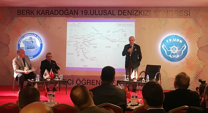 berk-karadogan-19.-ulusal-denizkizi-kongresi-basladi_2.jpg