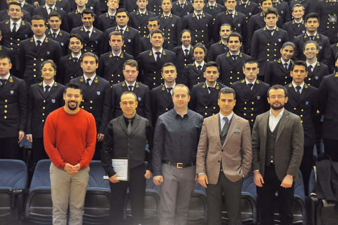 dokuz-eylul-universitesi-denizcilik-fakultesi-22.-kis-kariyer-gunleri-_5.jpg
