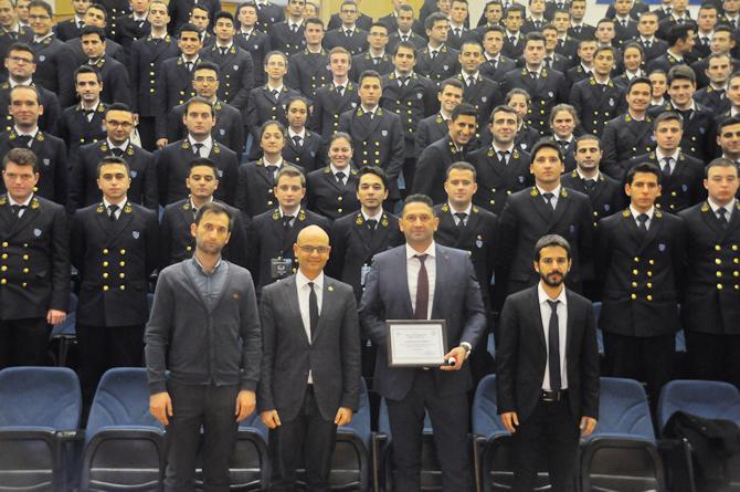 dokuz-eylul-universitesi-denizcilik-fakultesi-22.-kis-kariyer-gunleri_1.jpg