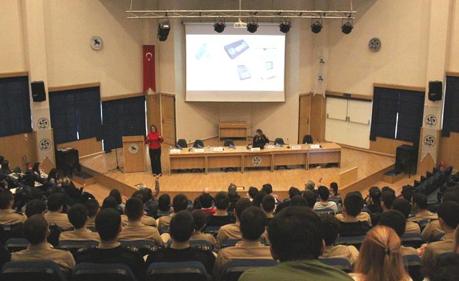 dokuz_eylul_univesitesi_konferans_3.jpg