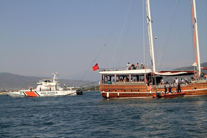 fethiyede-sahil-guvenlik,-tur-teknelerini-denetledi_3.jpg