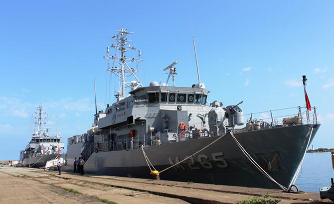 hopaportu_askeri_gemiler_ziyaret_etti_1.jpg