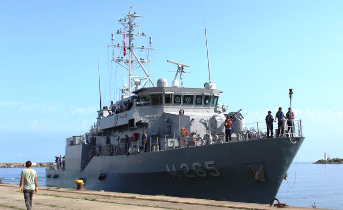 hopaportu_askeri_gemiler_ziyaret_etti_3.jpg