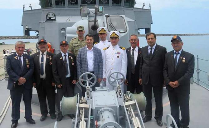 hopaportu_askeri_gemiler_ziyaret_etti_7.jpg