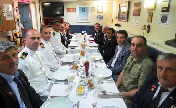 hopaportu_askeri_gemiler_ziyaret_etti_9.jpg