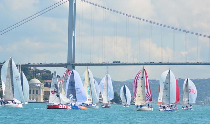 istanbul-bogazinda-bau-sailing-cup-ruzgari-esti_1.jpg