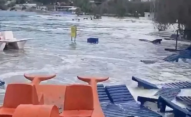 izmir_tsunami_5.jpg