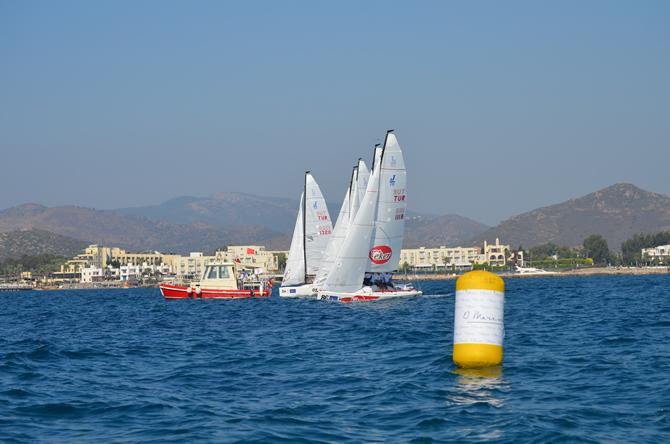 j70-turkiye-sampiyonasi'nda-yelkenler,-d-marin-turgutreis'de-acildi_3.jpg
