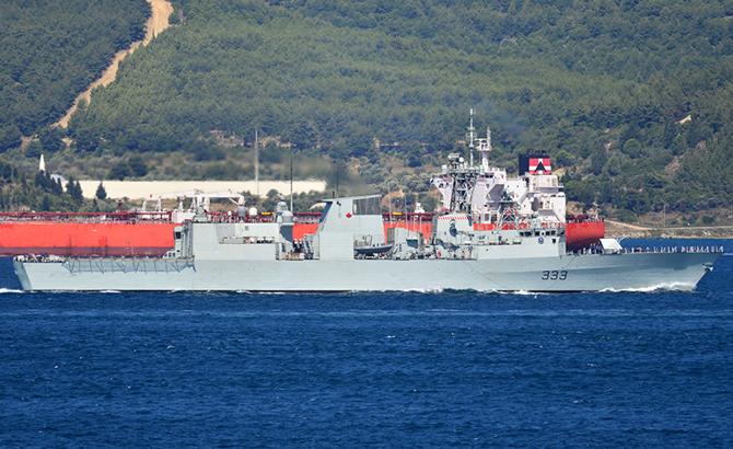 kanada_askeri_gemisi_1.jpg