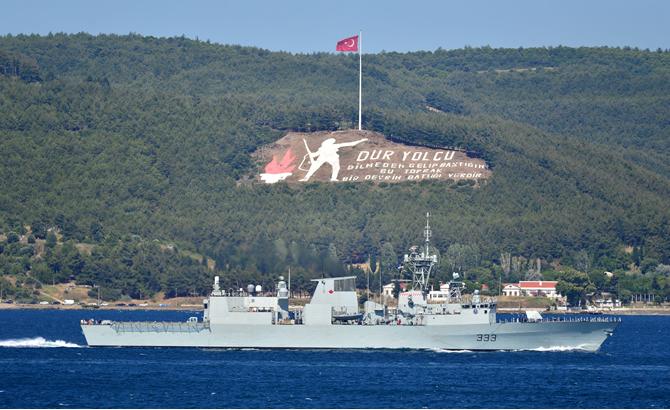 kanada_askeri_gemisi_2.jpg
